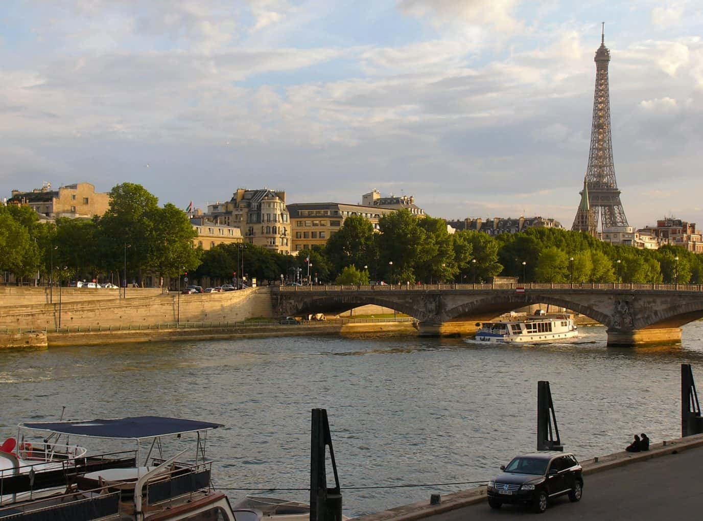 Flights houston to europe 598 700 r t american oneworld for Best flights to paris